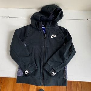 Nike boys black hooded zippered sweatshirt size 6